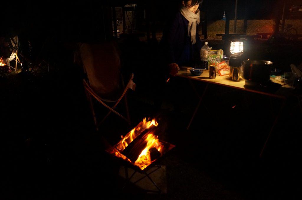 焚き火を火おこしから行いました